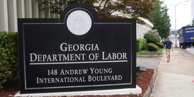 Georgia's unemployment rate dropped slightly in January.