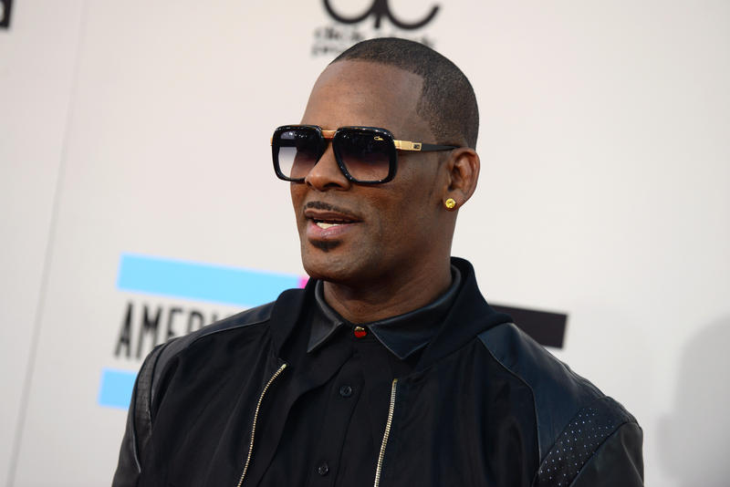 R. Kelly is set to play a show at the Wolf Creek Amphitheater. Fulton County is trying to stop it.