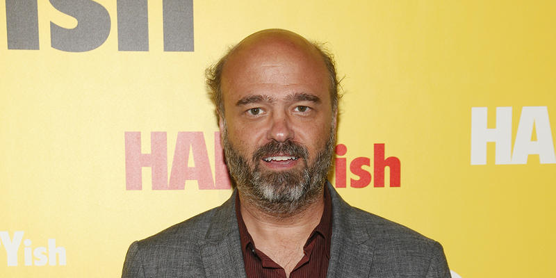 Lois Reitzes chats with actor and writer Scott Adsit in advance of his appearance at Dad's Garage today on ''City Lights.''