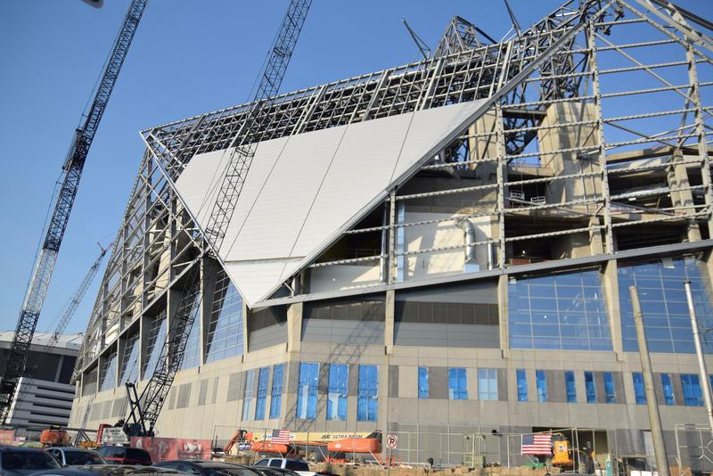Mercedes Benz Stadium under construction