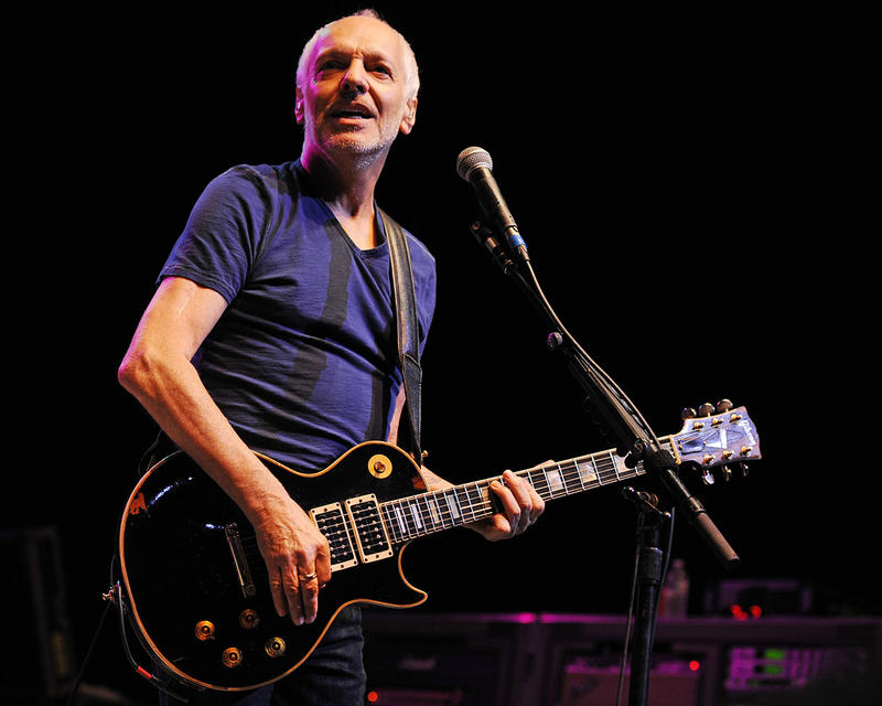Peter Frampton performs at Hard Rock Live! in the Seminole Hard Rock Hotel & Casino on October 5, 2014 in Hollywood, Florida.