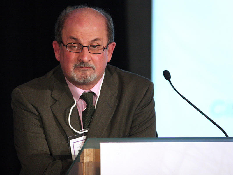 Salman Rushdie at the Canada 2020 Crossing Boundaries Conference on March 26, 2007.