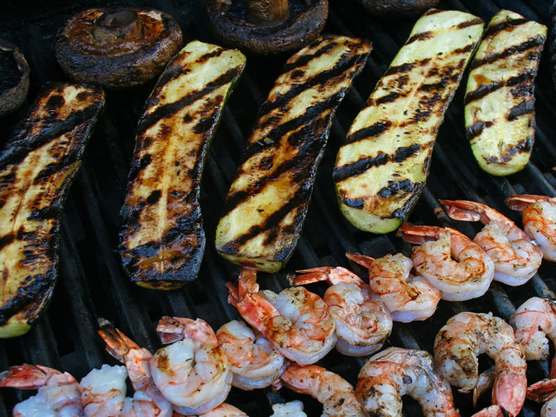 Grilled shrimp and zucchini
