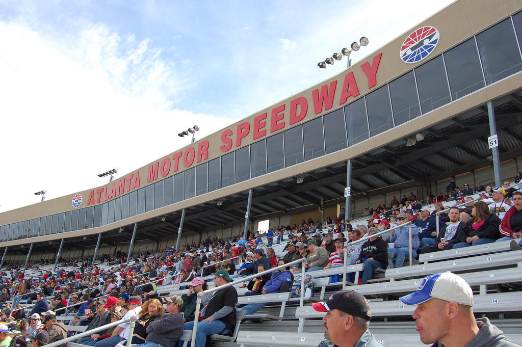 Atlanta Motor Speedway To Go Smoke Free In Seating Areas