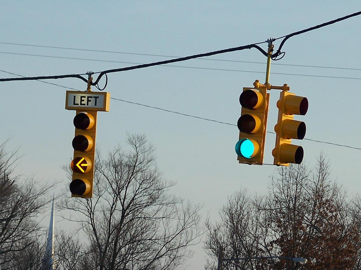 yellow arrow traffic light - photo #28