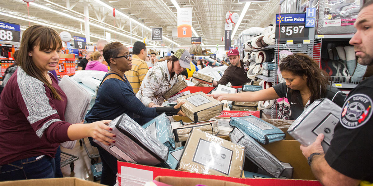 b24cce70ee994 Atlantans Hit The Stores For Black Friday Deals   WABE 90.1 FM