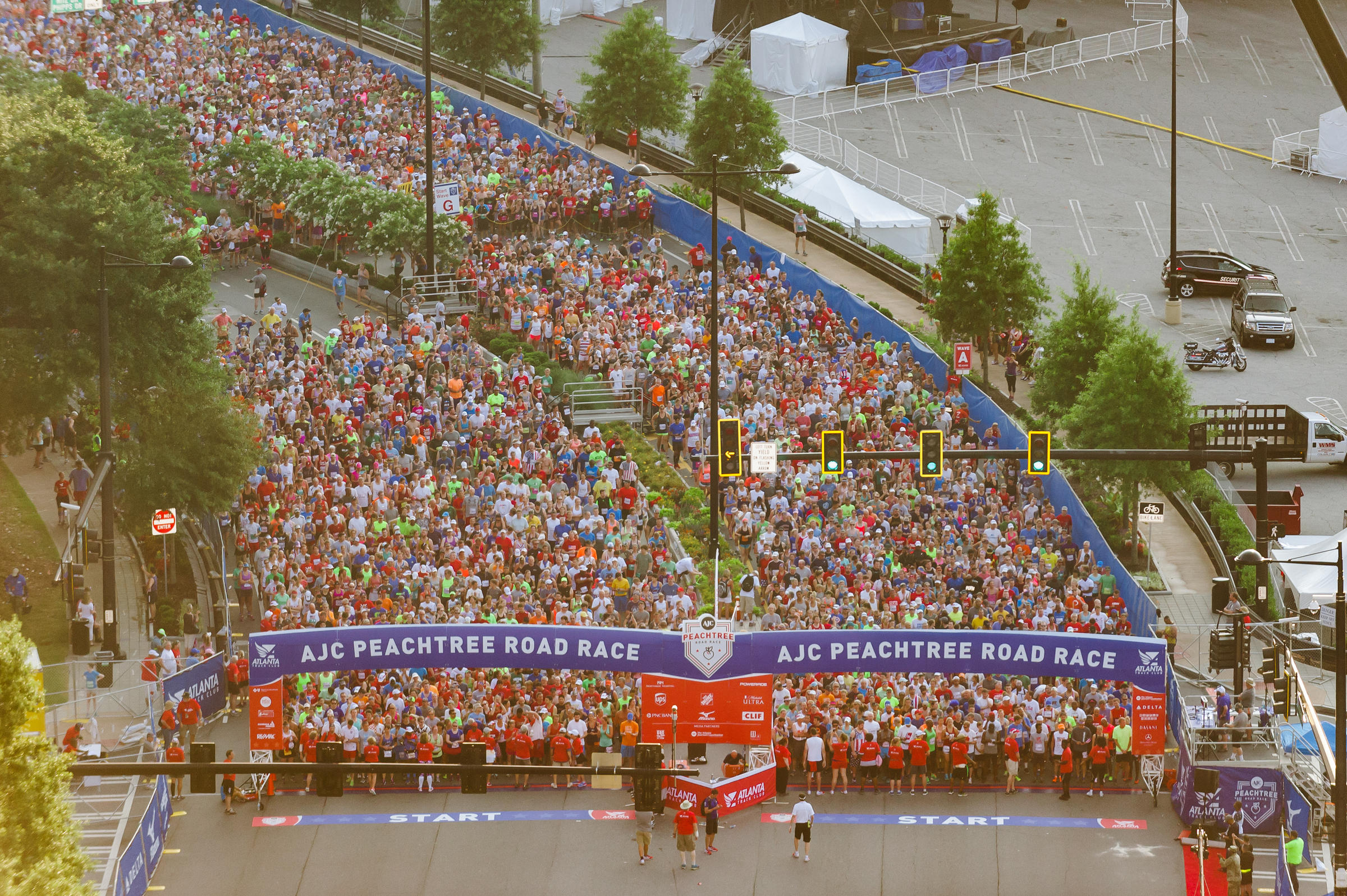 Keep that new year 39 s resolution with 10 atlanta races for The peachtree