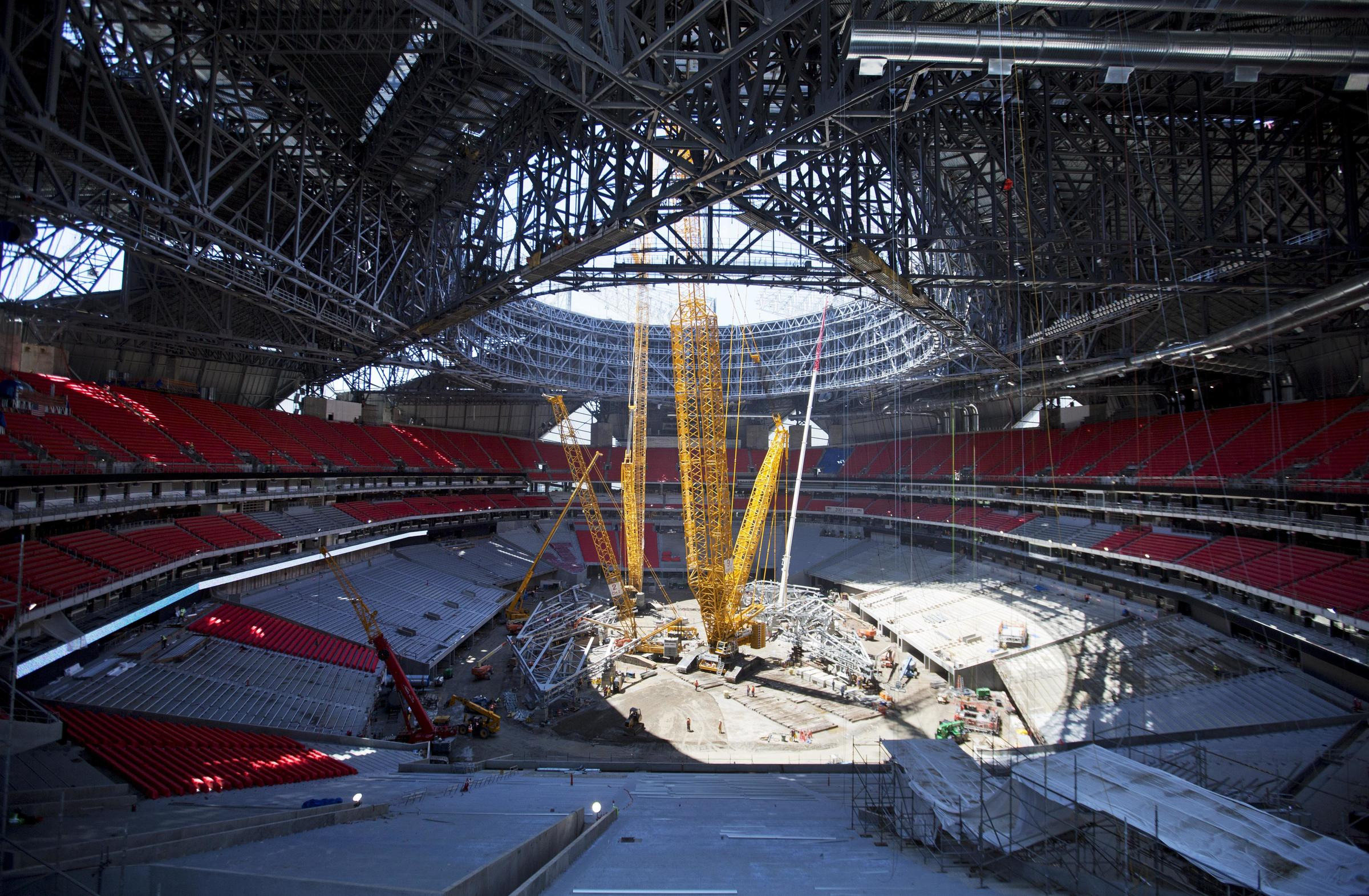 High hopes for high tech mercedes benz stadium despite for Mercedes benz stadium atlanta hotels