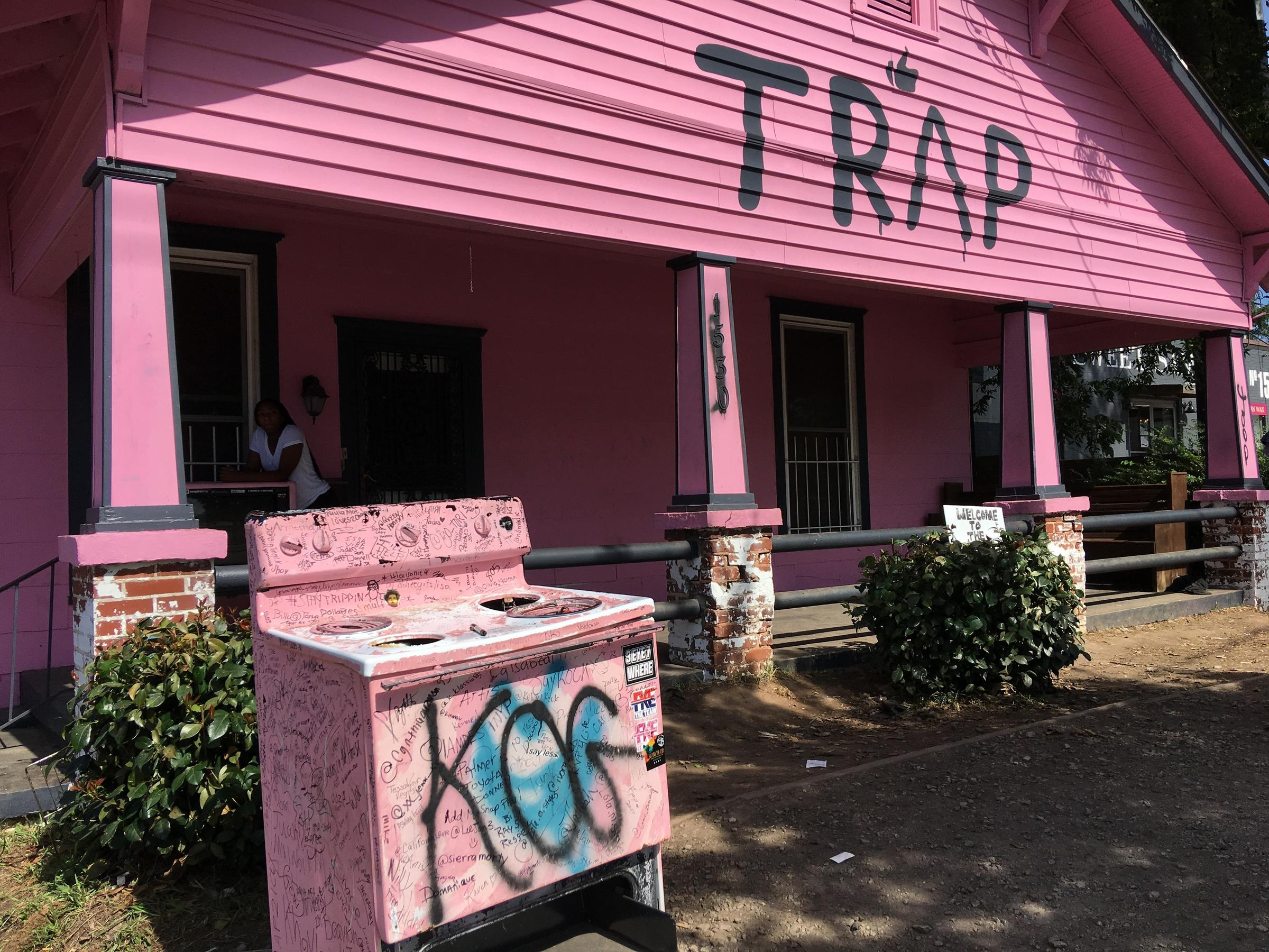 New Look 2 Chainz S Pink Trap House Will Be Repainted White Wabe
