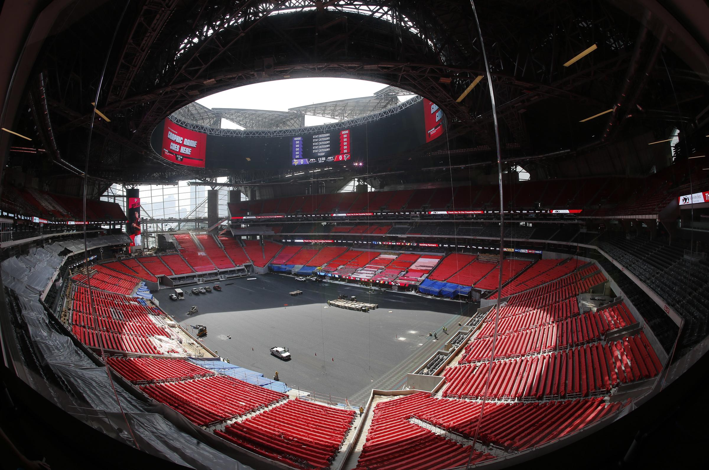 Mercedes benz stadium to open in august but roof to stay for Mercedes benz stadium opening
