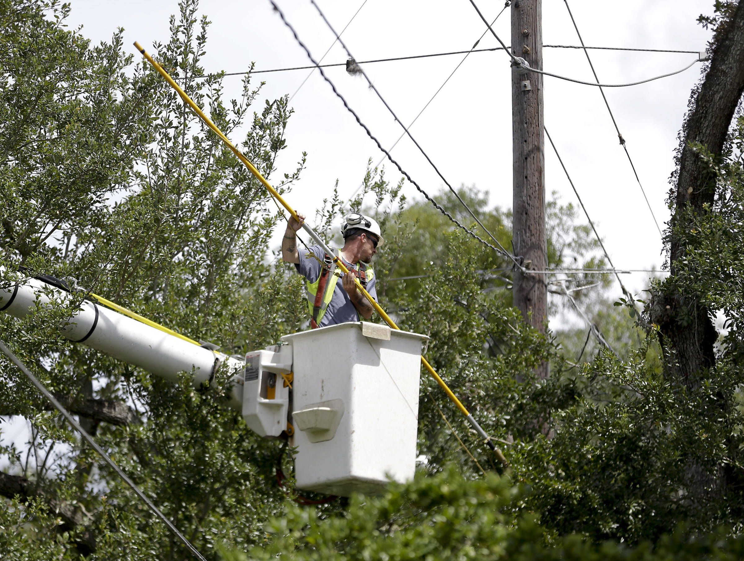 Over a quarter of a million still without power in Georgia