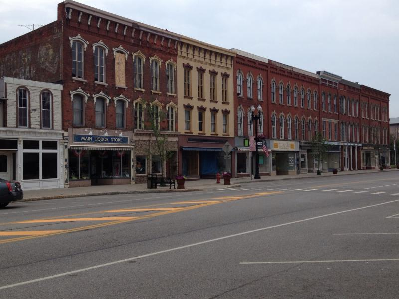 Strip of downtown Medina similar to many canal towns hoping to thrive