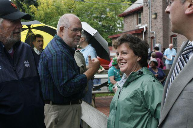 sharon talking with mayor miner