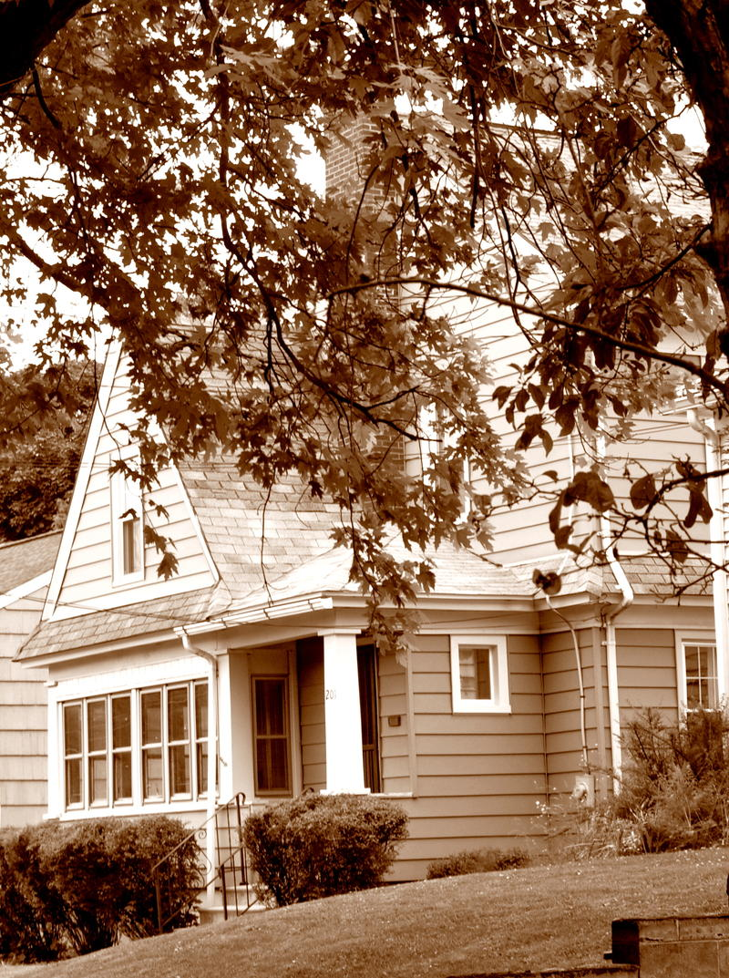 Jimmy Van Heusen was born in Syracuse in 1913 and lived in this home
