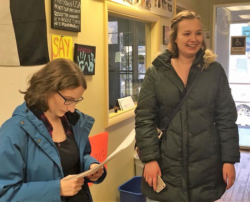 SU grad students Lynn Smith, left, and Emily Kraft, right.