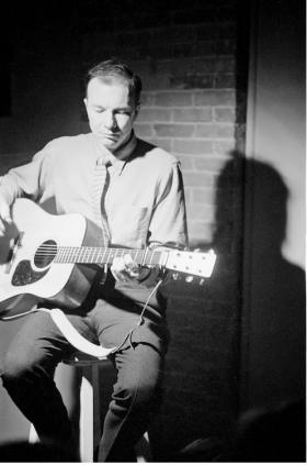 Pete Seeger at Caffé Lena in the 1960s