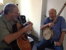 Lorre Wyatt and Pete Seeger rehearse before the Paramount show.
