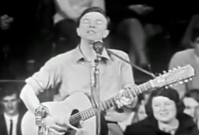 Pete Seeger in a 1956 television performance.
