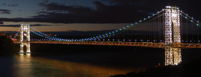 George Washington Bridge in New York City at night