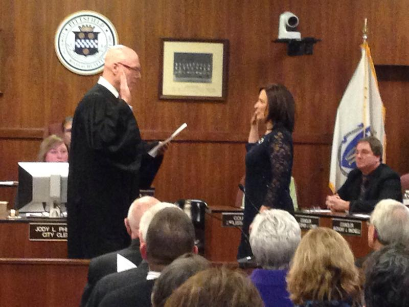 This is a picture of Linda Tyer being sworn in as mayor of the City of Pittsfield.