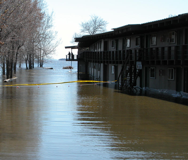 Lakeside Apartment flooding, Spring 2011