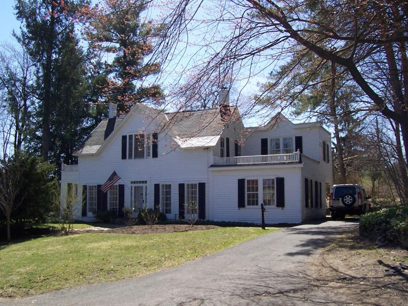 Picture of the modern day home where Union Army Officer Henry Rathbone and Clara Harris resided.