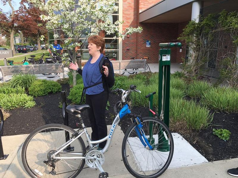 Albany Mayor Kathy Sheehan rides to work.