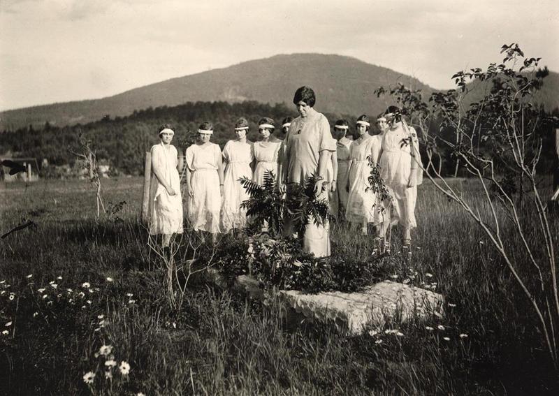 Inez Milholland gravesite 1923