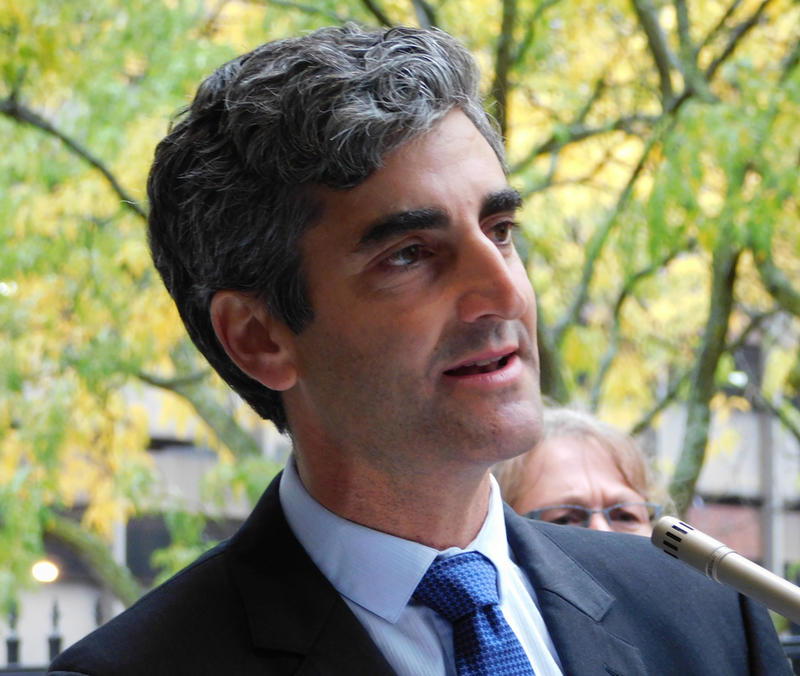 Burlington Mayor Miro Weinberger (file photo)