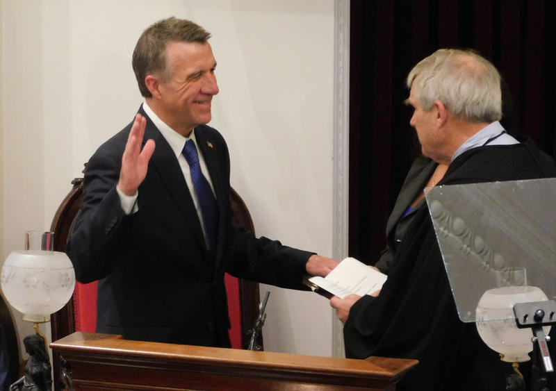 Phil Scott takes the oath of office 1-5-17