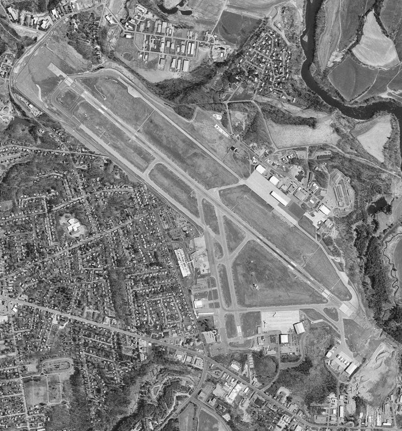 Burlington International Airport USGS 1995 photo