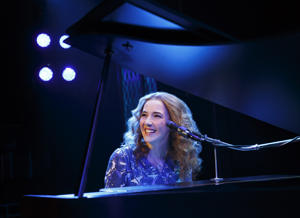 Julia Knitel as Carole King