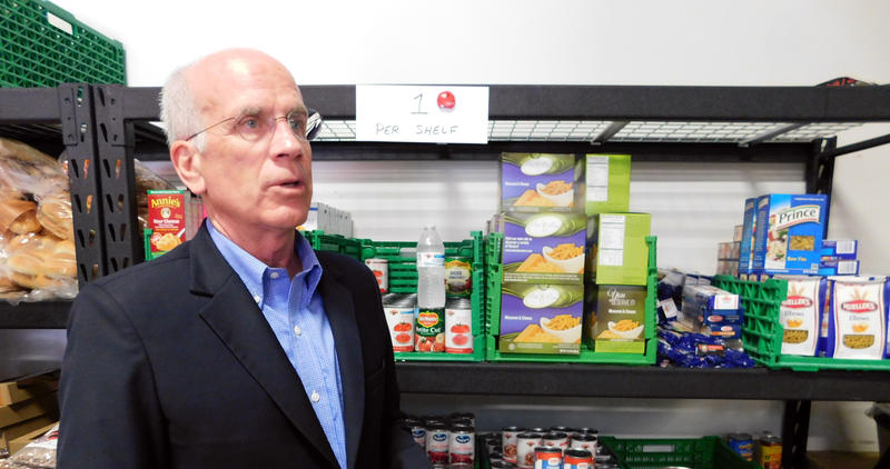 Congressman Peter Welch at St. Albans food shelf
