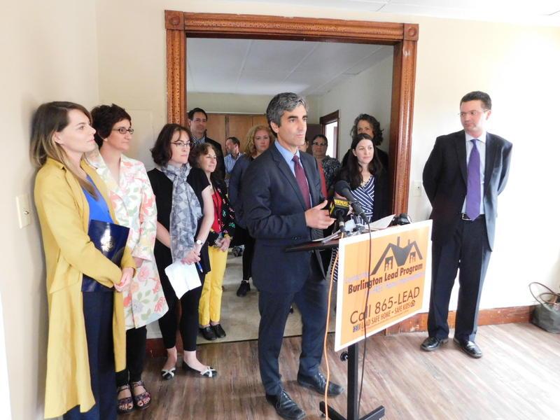 Burlington Mayor Miro Weinberger announces grant for lead program
