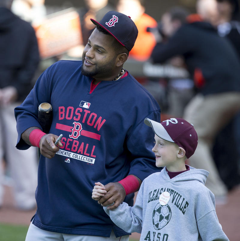 Pablo Sandoval with a young fan