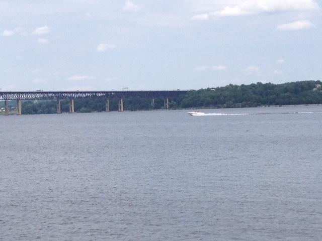 Boater heads north toward Newburgh-Beacon Bridge