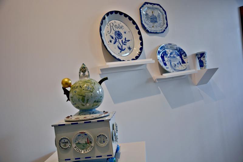 A tea pot crafted by Mara Superior.
