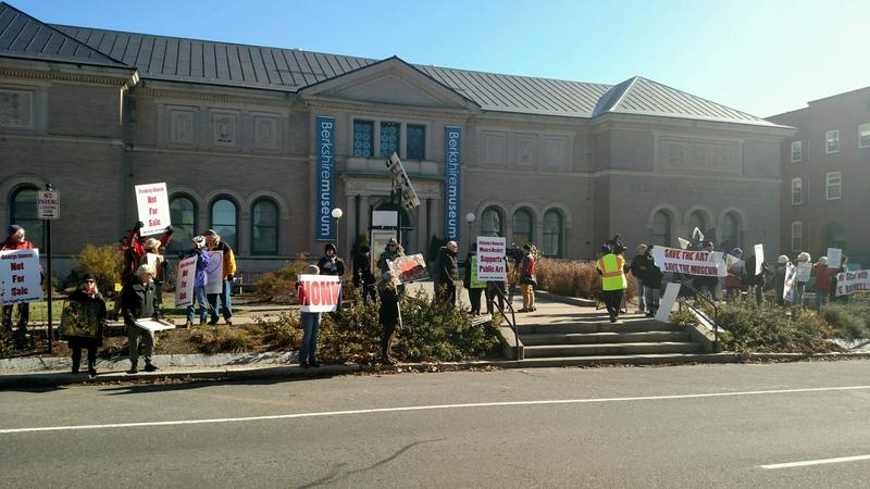 Protestors at the The Berkshire Museum in 2017.