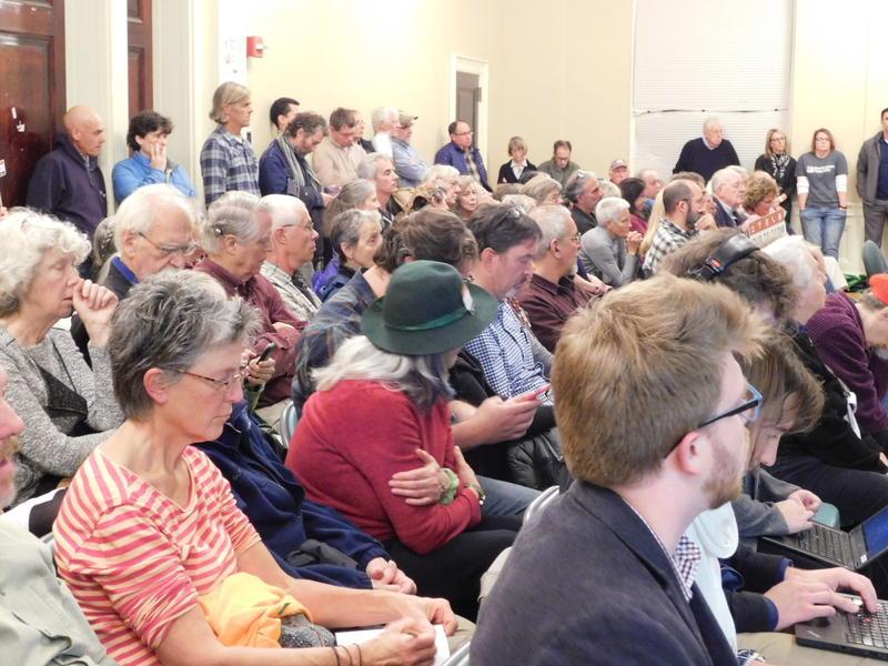 A large crowd observes the Burlington City Council meeting 11-6-17