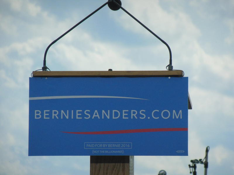 Sanders' presidential campaign sign