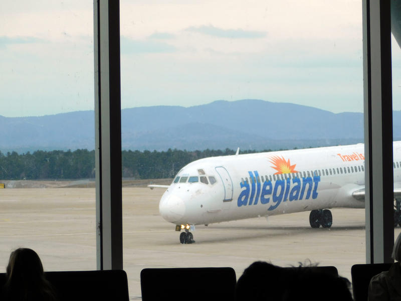 Allegiant aircraft arrives at the Plattsburgh International Airport
