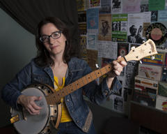 Mother Banjo (Ellen Stanley)