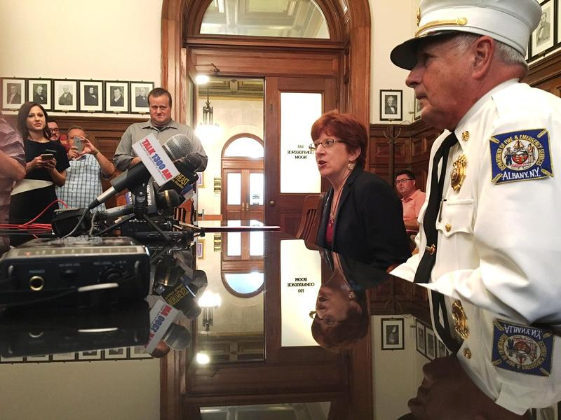 Albany Mayor Kathy Sheehan & Albany Fire Chief Warren Abriel address the media in City Hall. (July 18, 2017)