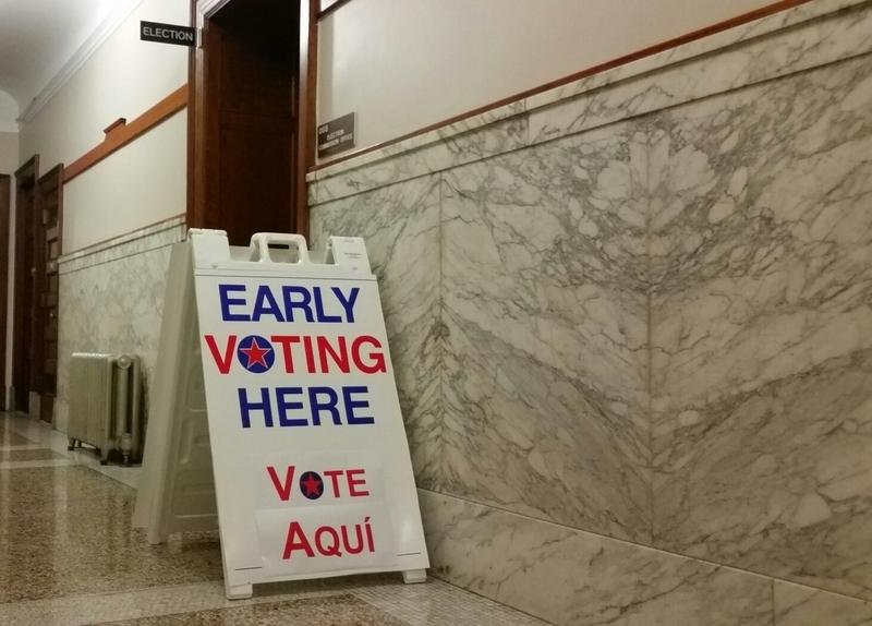 An early voting sign at Springfield City Hall