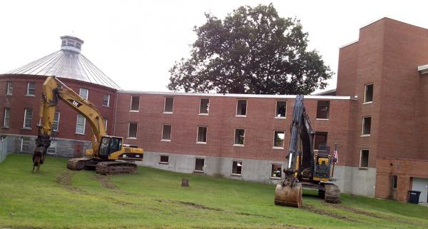 Osgood Building at the Waterbury Office Complex, ready for demolition