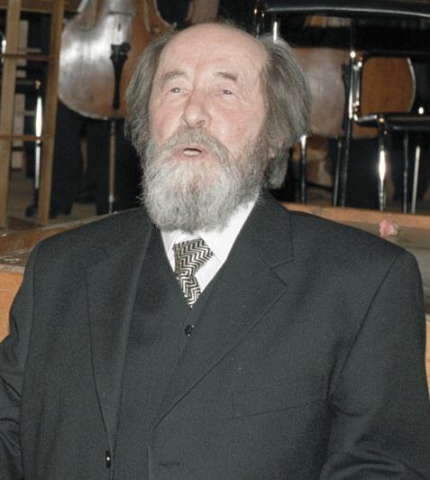 Aleksandr Solzhenitsyn in Moscow December 1998