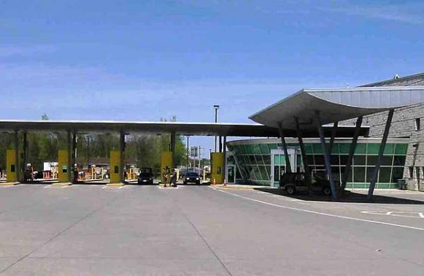 U.S. border inspection station at Highgate Springs, Vermont