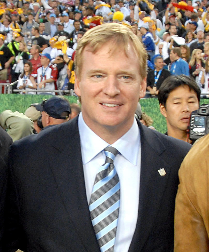 8d2da9c8bfe SportsReport  Roger Goddell Signs His Last Contract