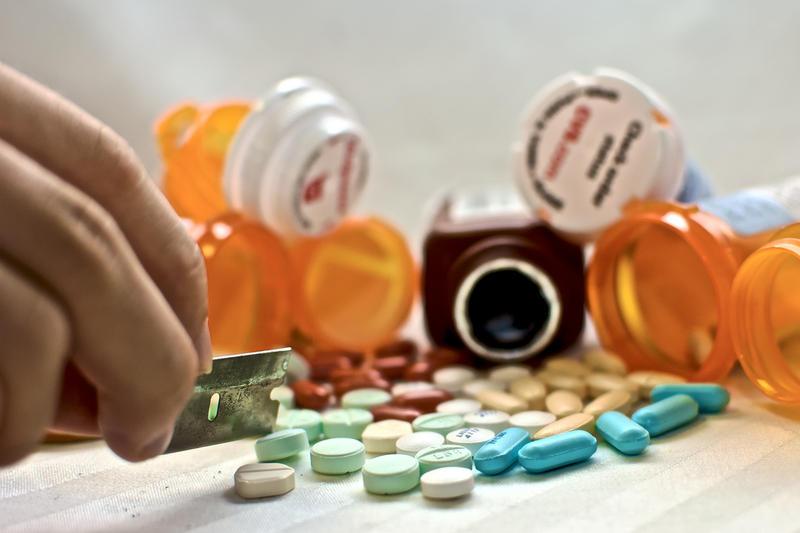 Purdue Study Examines How Peers Influence Prescription Drug Abuse Wbaa