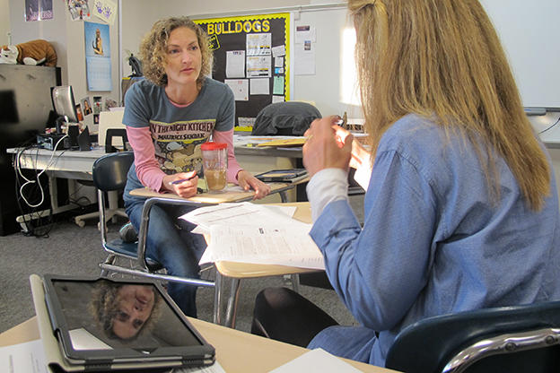 Tech-Savvy Teaching: How Online Learning Helps Students & Teachers